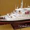 détail maquette de bateau, voilier, runabout Queen Elizabeth 2 - 100 cm Gia Nhien
