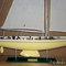 détail maquette de bateau, voilier, runabout Australia II 80 cm crème Gia Nhien