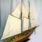 détail maquette de bateau, voilier, runabout Bluenose II - 80 cm Old Modern Handicrafts