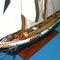 détail maquette de bateau, voilier, runabout Harvey peint - (coque 60 cm) Old Modern Handicrafts