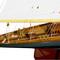 détail maquette de bateau, voilier, runabout Shamrock V - 75 cm Kiade