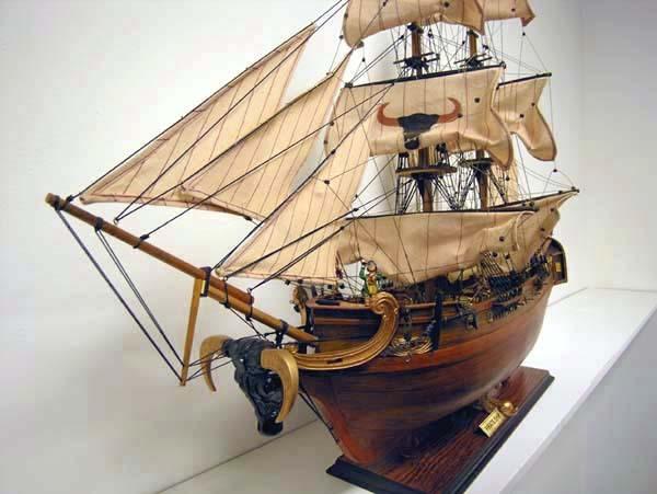 maquette voilier pirate. Black Bedroom Furniture Sets. Home Design Ideas