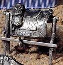Etains du Prince La selle de l'empereur sur son chevalet
