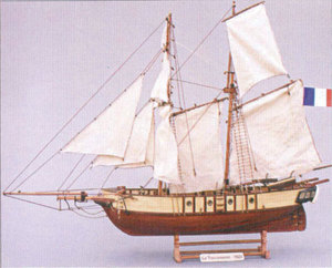 maquette de bateau, voilier, runabout Toulonnaise  Quirao idées cadeaux
