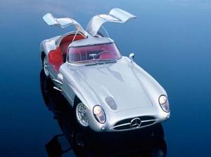 miniature de voiture Mercedes-Benz 300 SLR Uhlenhaut Coupé, 1955 - CMC-M076 CMC Modelcars Quirao idées cadeaux