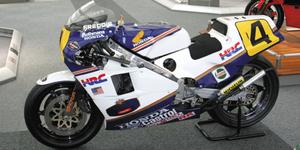 miniature de moto Honda Nsr 500 Gp 1985 - Spencer Minichamps Quirao idées cadeaux
