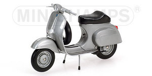 miniature de moto Vespa 50r 1972 - Silver Minichamps Quirao idées cadeaux
