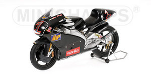miniature de moto Aprilia Rsv 250 M. Biaggi Chesterfield Apri Minichamps Quirao idées cadeaux