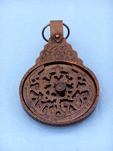 astrolabe, boussole, sextant Astrolabe suspendu 25 cm diamètre  Quirao idées cadeaux