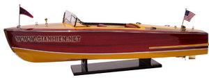 maquette de bateau, voilier, runabout Chris Craft Riviera 1954 - 92 cm Gia Nhien Quirao idées cadeaux