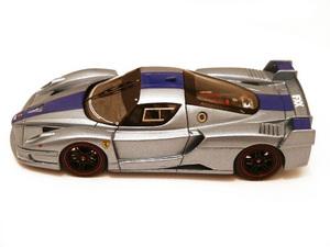 miniature de voiture Ferrari FXX 2005 Super Enzo bleu / gris Ilario Quirao idées cadeaux