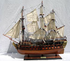 maquette de bateau, voilier, runabout HMS Bellona - coque 60 cm Gia Nhien Quirao idées cadeaux