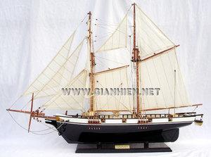 maquette de bateau, voilier, runabout Harvey finition noir laqué (coque 60 cm) Gia Nhien Quirao idées cadeaux