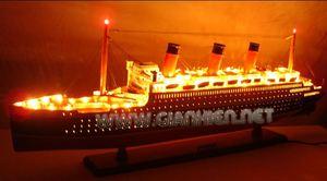 maquette de bateau, voilier, runabout Queen Mary - 100 cm avec lumières Gia Nhien Quirao idées cadeaux