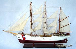 maquette de bateau, voilier, runabout US Coast Guard Eagle (coque 61 cm) Gia Nhien Quirao idées cadeaux