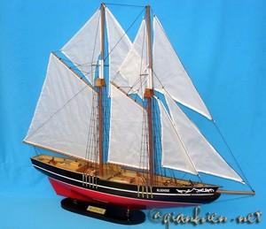 maquette de bateau, voilier, runabout Bluenose 80 cm Gia Nhien Quirao idées cadeaux