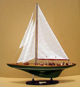 maquette de bateau, voilier, runabout Shamrock V 80 cm Gia Nhien Quirao idées cadeaux
