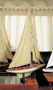 maquette de bateau, voilier, runabout Classe J 93 cm  Quirao idées cadeaux