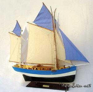 maquette de bateau, voilier, runabout Marie Jeanne 40 cm Gia Nhien Quirao idées cadeaux