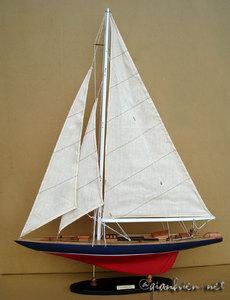 maquette de bateau, voilier, runabout Rainbow 80 cm Gia Nhien Quirao idées cadeaux