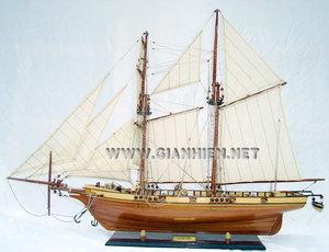maquette de bateau, voilier, runabout Harvey (coque 60 cm) Gia Nhien Quirao idées cadeaux