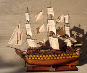 maquette de bateau, voilier, runabout Bretagne - (coque 80 cm) Gia Nhien Quirao idées cadeaux