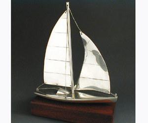 maquette de bateau, voilier, runabout Monocoque Serge Leibovitz Quirao idées cadeaux