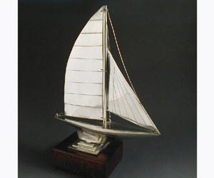 maquette de bateau, voilier, runabout Voilier 12 métres Serge Leibovitz Quirao idées cadeaux