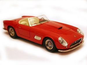 miniature de voiture Ferrari 250 GT LWB Spyder California Ilario Quirao idées cadeaux