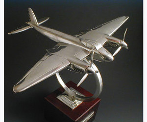 maquette m tal avion de havilland mosquito 1944. Black Bedroom Furniture Sets. Home Design Ideas