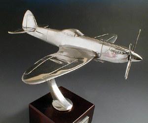 maquette d'avion Spitfire M.K 24 Serge Leibovitz Quirao idées cadeaux