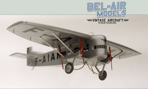 maquette de l\'avion du type Voisin Farman