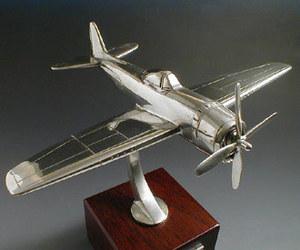 maquette d'avion Republic P-47 Thunderbolt Serge Leibovitz Quirao idées cadeaux
