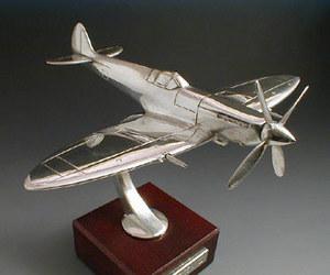 maquette d'avion Spitfire M.K9 Serge Leibovitz Quirao idées cadeaux