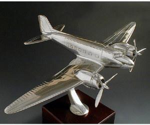 maquette d'avion Douglas DC3 - 15 cm Serge Leibovitz Quirao idées cadeaux