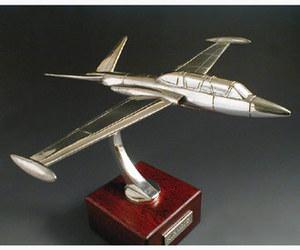 maquette d'avion Fouga Magister Serge Leibovitz Quirao idées cadeaux