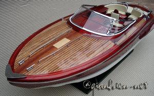 maquette de bateau, voilier, runabout Runabout italien bois naturel - 90 cm Gia Nhien Quirao idées cadeaux