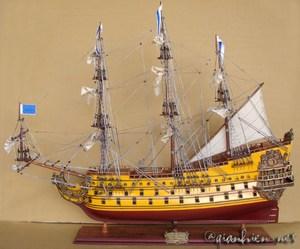 maquette de bateau, voilier, runabout Soleil Royal peint (coque 60 cm) Gia Nhien Quirao idées cadeaux