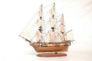 maquette de bateau, voilier, runabout Astrolabe - 112 cm Premier Ship Models Quirao idées cadeaux