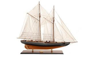 maquette de bateau, voilier, runabout Blue Nose II (ciré) - 75cm Premier Ship Models Quirao idées cadeaux