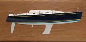maquette de bateau, voilier, runabout Discovery 55 demi-maquette - 51 cm Premier Ship Models Quirao idées cadeaux