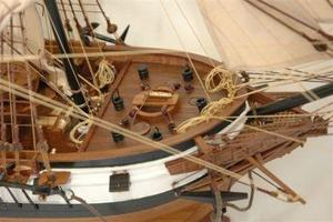 maquette de bateau, voilier, runabout HMS Beagle - 80 cm Premier Ship Models Quirao idées cadeaux