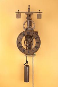 horloge en bois murale avec cadran bois. Black Bedroom Furniture Sets. Home Design Ideas