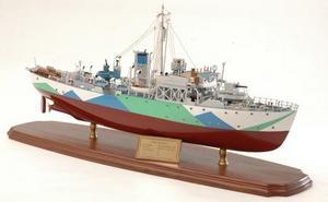 maquette de bateau, voilier, runabout Montbretia war ship - 68cm Premier Ship Models Quirao idées cadeaux