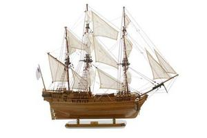 maquette de bateau, voilier, runabout Saint Géran - 85 cm Premier Ship Models Quirao idées cadeaux