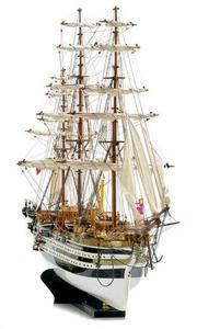 maquette de bateau, voilier, runabout Amerigo Vespucci peint - 100 cm Premier Ship Models Quirao idées cadeaux