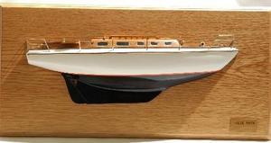 maquette de bateau, voilier, runabout Vindo 40 sloop demi-maquette - 51cm Premier Ship Models Quirao idées cadeaux