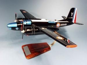 maquette d'avion Invader A-26C  CIFAS - 53 cm Pilot's Station Quirao idées cadeaux
