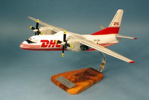 maquette d'avion Antonov 26  - 48 cm Pilot's Station Quirao idées cadeaux