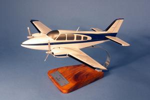 maquette d'avion Beechcraft 58 Baron Civil - 48 cm Pilot's Station Quirao idées cadeaux